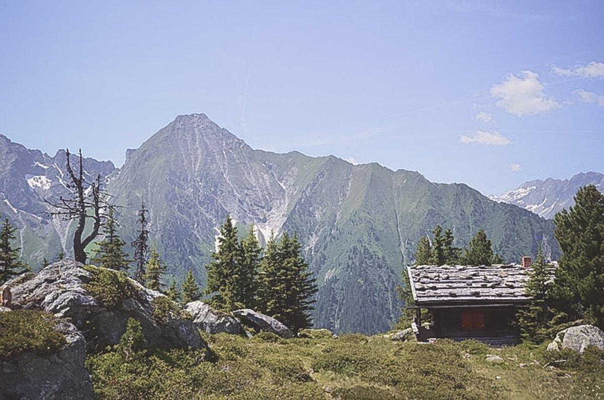 Versteckt in den Highlands - Schweizer Berghütte